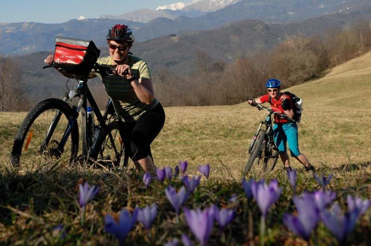 Picture of S kolesom v dve Gorici dve državi